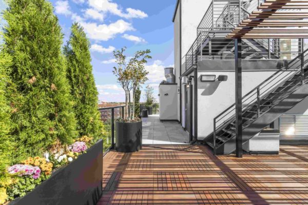 tier_II_landscape_design_commercial_rooftop_brooklyn_IPE_custom_woodwork_kitchen_landscaping_design_build_pergola_9c