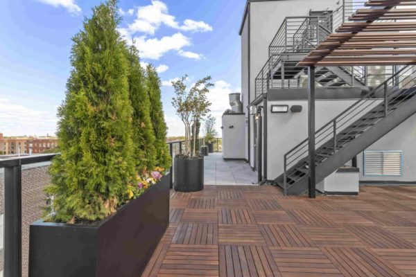 tier_II_landscape_design_commercial_rooftop_brooklyn_IPE_custom_woodwork_kitchen_landscaping_design_build_pergola_9q