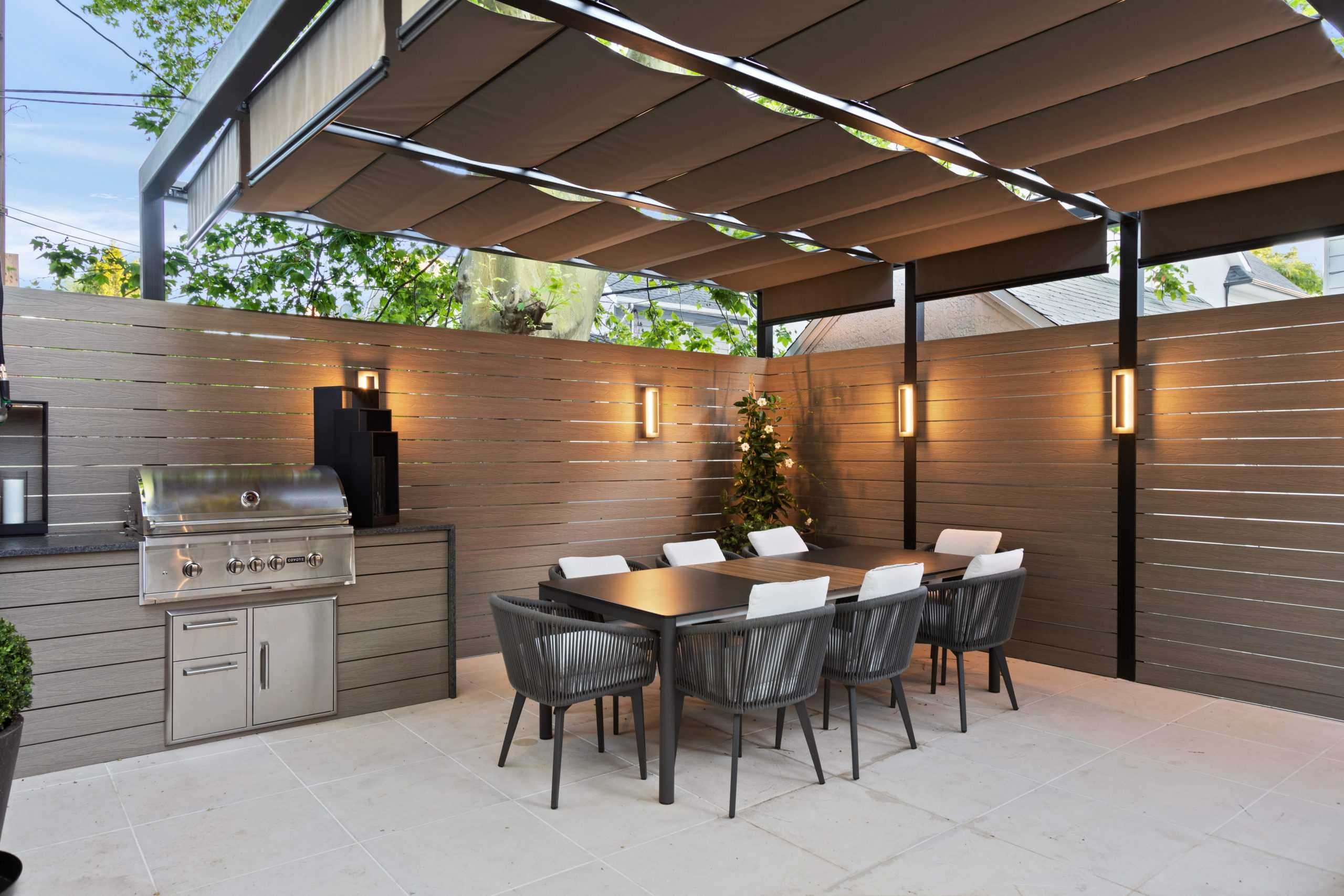 Table and chairs, retractable awning